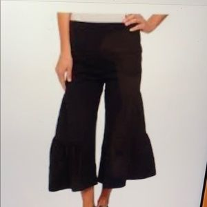 XCVI cropped side tier palazzo pants. XS